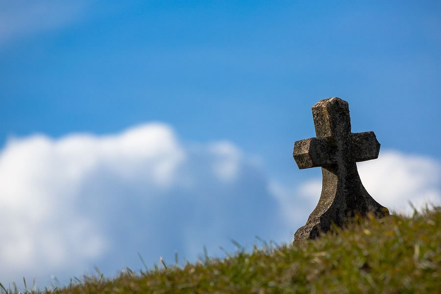 Medidas sanitarias por la Covid-19 en el cementerio